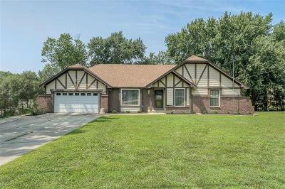 Weatherby Lake Single Family Home Show For Backups: 7910 NW Eastside Drive