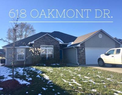 Warrensburg Single Family Home For Sale: 618 Oakmont Drive