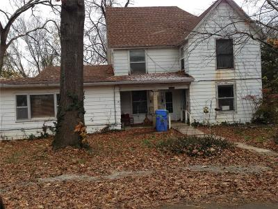 Tonganoxie Single Family Home For Sale: 300 E 8th Street