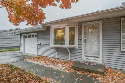 Olathe Single Family Home For Sale: 555 E Prairie Street