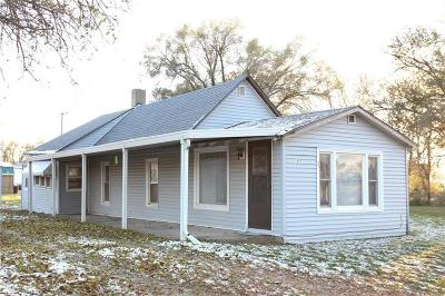 Doniphan County Single Family Home For Sale: 1302 Kentucky Street