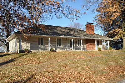 Gentry County Single Family Home For Sale: 200 W Putnam Street