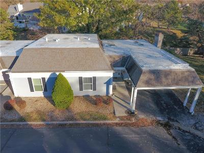 Overland Park KS Condo/Townhouse For Sale: $150,000