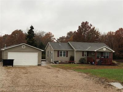 Pleasant Hill Single Family Home For Sale: 19404 S Burri Road