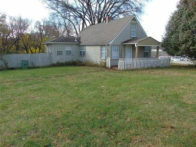 Raytown Single Family Home For Sale: 10005 E 53rd Street