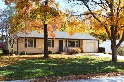 Overland Park Single Family Home For Sale: 9011 Goodman Street