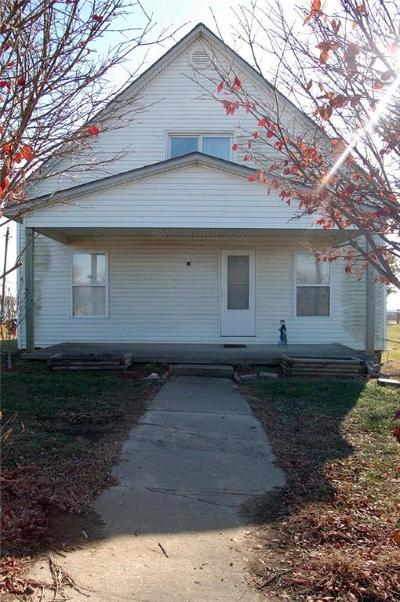 Warrensburg MO Single Family Home For Sale: $124,900