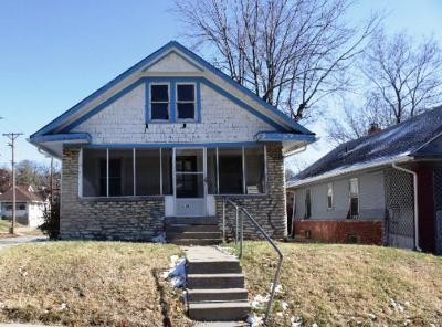 Kansas City Single Family Home Auction: 4501 Chestnut Avenue