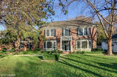 Leawood Single Family Home For Sale: 8823 Ensley Court