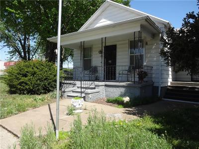 Doniphan County Single Family Home For Sale: 106 W Main Street