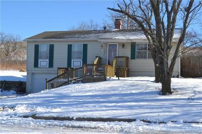 Shawnee County Single Family Home For Sale: 3200 W Skyline Drive
