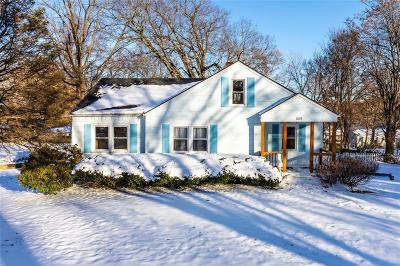 Overland Park Single Family Home For Sale: 8129 Riggs Lane