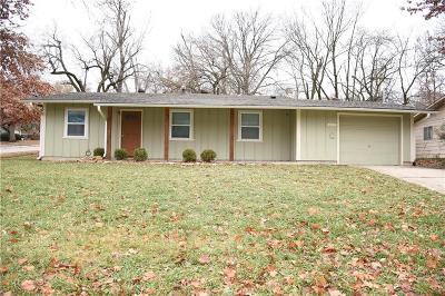 Douglas County Single Family Home For Sale: 2617 Belle Haven Drive
