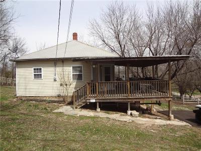 Holt County Single Family Home For Sale: 201 N Chestnut Street