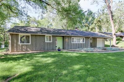Prairie Village Single Family Home For Sale: 5904 W 79th Street