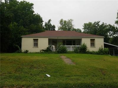 Single Family Home Auction: 9806 E 31st Street