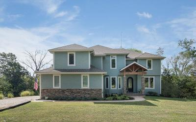 Leavenworth County Single Family Home For Sale: 17158 Feather Lane