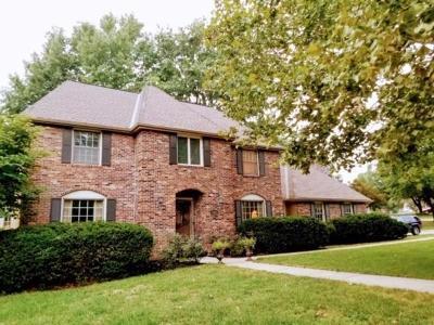 Lenexa Single Family Home For Sale: 7800 Caenen Lake Road