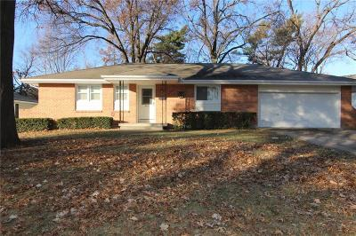 Shawnee Single Family Home For Sale: 6816 Larsen Lane