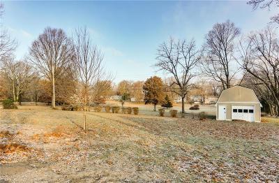 Kansas City Single Family Home For Sale: 1216 E 108th Terrace