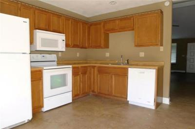 Kansas City Condo/Townhouse For Sale: 8207 NW Mace Road