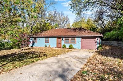 Riverside Single Family Home For Sale: 2515 NW Woodland Road