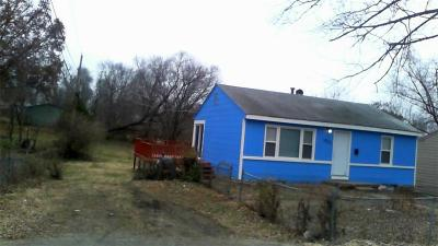 Single Family Home For Sale: 1603 E 82nd Street