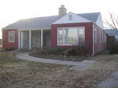Allen County Single Family Home For Sale: 2308 N State Street