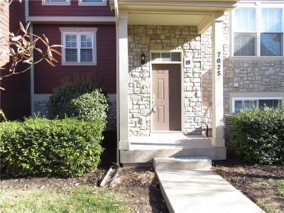 Overland Park KS Condo/Townhouse For Sale: $215,000