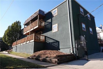 Kansas City Condo/Townhouse For Sale: 4063 Warwick Boulevard #110