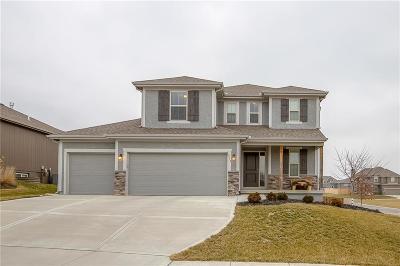 Blue Springs Single Family Home For Sale: 933 SE Crimson Court