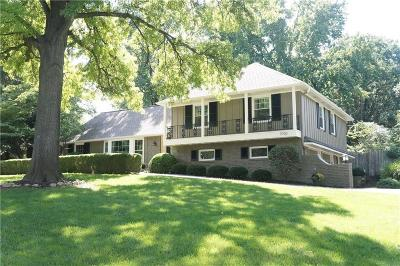 Leawood Single Family Home For Sale: 9700 Wenonga Lane