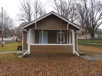 Olathe Single Family Home For Sale: 608 N Chestnut Street