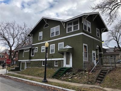 Kansas City Single Family Home For Sale: 2846 Parkwood Boulevard