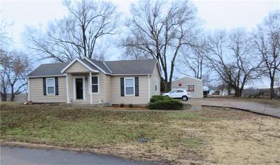 Oskaloosa Single Family Home For Sale: 400 Elm Street