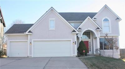 Overland Park Single Family Home For Sale: 8203 W 145th Terrace