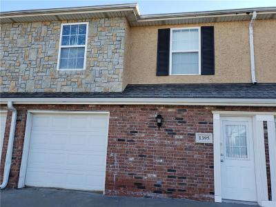Olathe Condo/Townhouse For Sale: 1395 E 120 Street