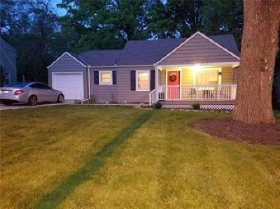 Kansas City Single Family Home For Sale: 8115 Ward Parkway