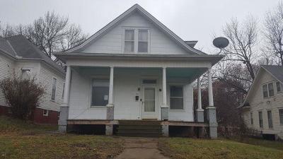 Single Family Home For Sale: 3104 Seneca Street