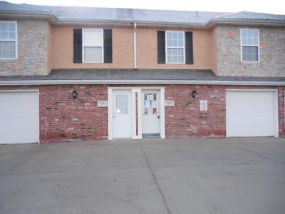 Olathe Condo/Townhouse Auction: 1391 E 120th Street