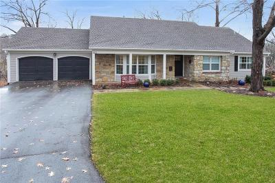 Leawood Single Family Home For Sale: 9821 Lee Circle