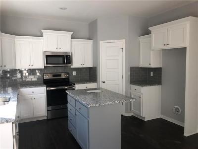 Gardner Single Family Home For Sale: 715 N Laurel Street