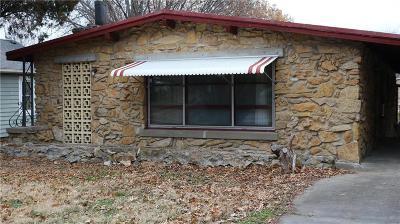 Ottawa Single Family Home For Sale: 1117 N Cedar Street