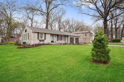 Prairie Village Single Family Home Contingent: 7056 Roe Avenue