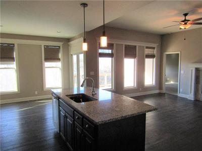 Grain Valley Single Family Home For Sale: 1402 SW Cross Creek Drive
