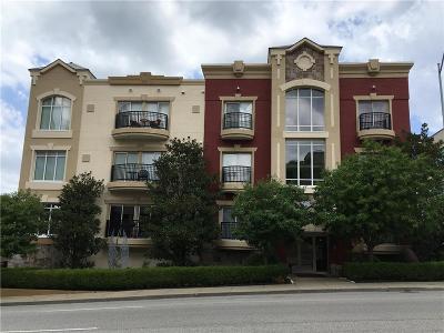 Kansas City Condo/Townhouse For Sale: 4528 Belleview Avenue #102