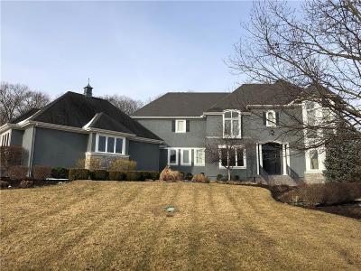 Johnson-KS County Single Family Home For Sale: 8714 Deer Run Street