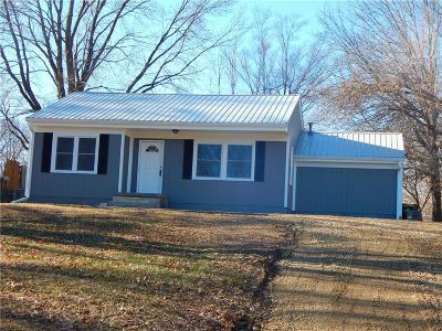 Lansing KS Single Family Home Show For Backups: $139,950