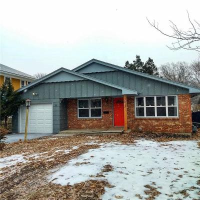 Single Family Home For Sale: 7617 Holmes Road