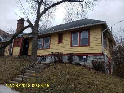 Jackson County Single Family Home Auction: 6620 Broadmoor Street